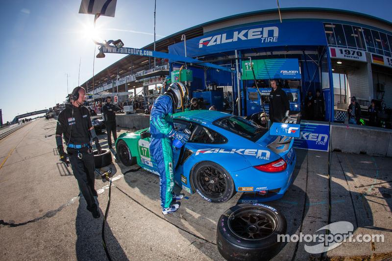 Team Falken Tire earns GT podium finish at Sebring 12 Hour