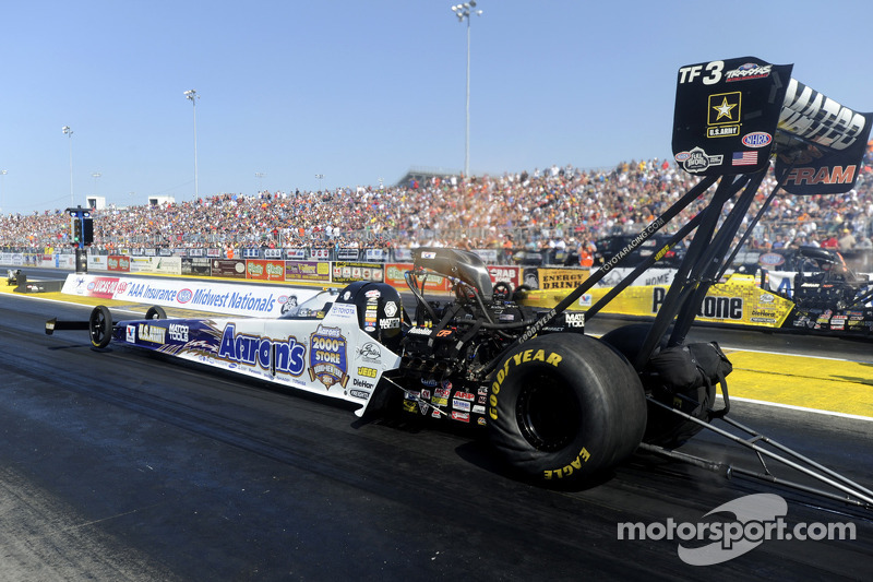 Goodyear-shod cars win five at Gatornationals