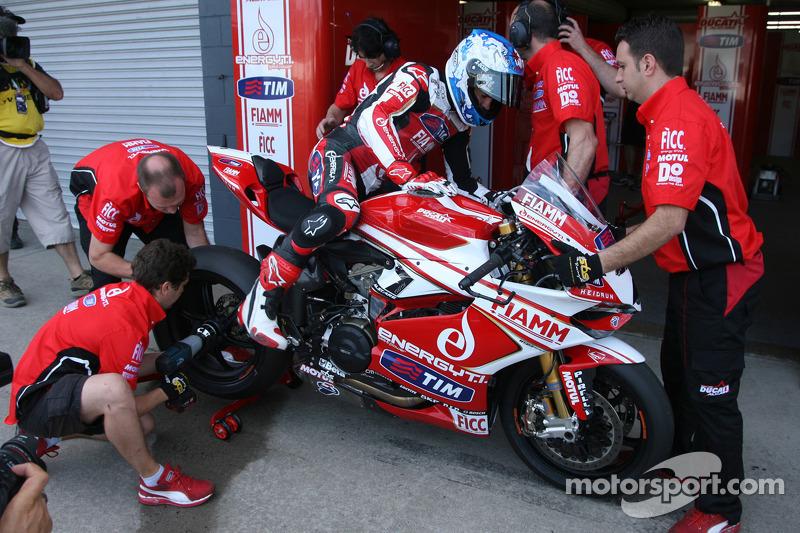 Top ten for Checa and team Ducati Alstare in Superpole at Aragon