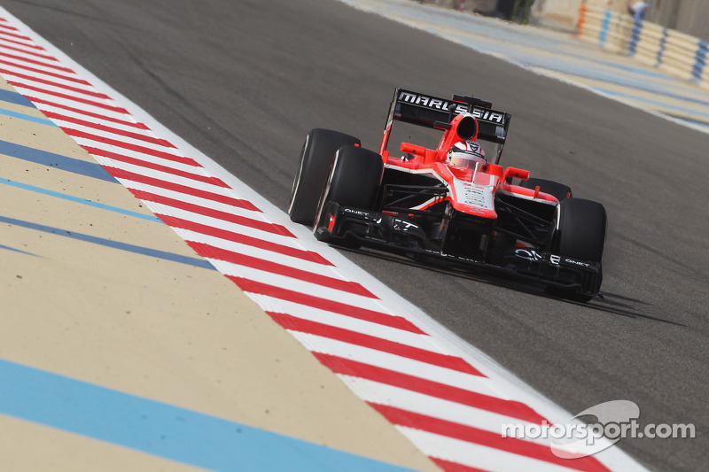 Gonzalez debut at Marussia on a tough Friday for the Bahrain GP