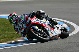 World Superbike Qualifying report Giugliano gets maiden Superpole win as Sykes crashes out