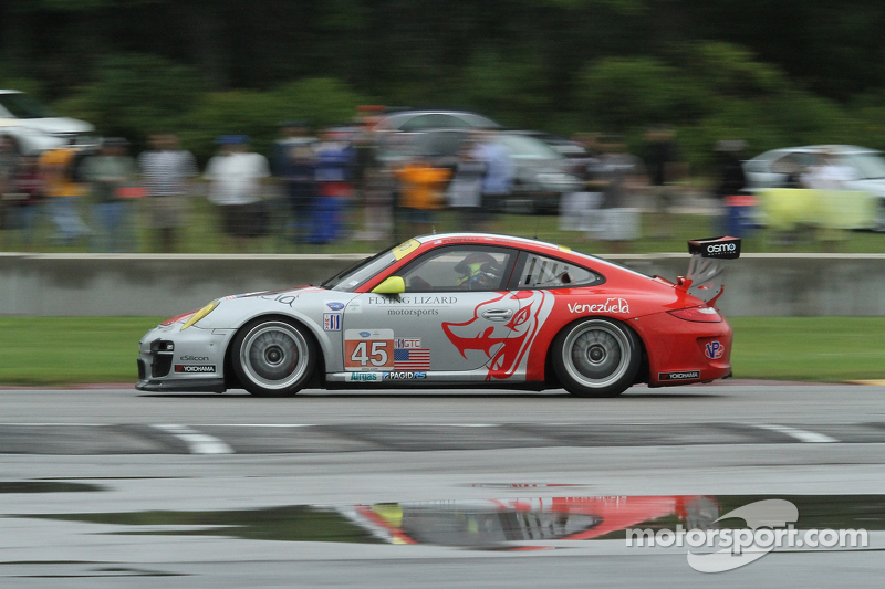Porsche 911 GT3 RSRs contend for Road America GT podium at Road America