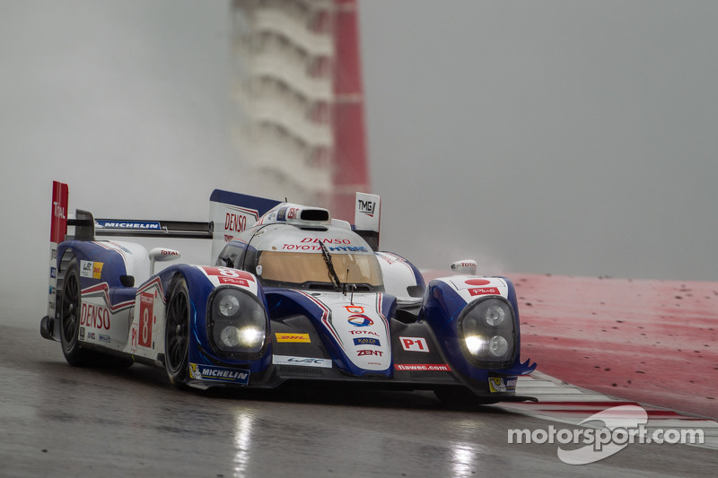 Rain halts the second Free Practice session at COTA