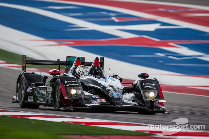 Franchitti puts Level 5 on pole in Texas