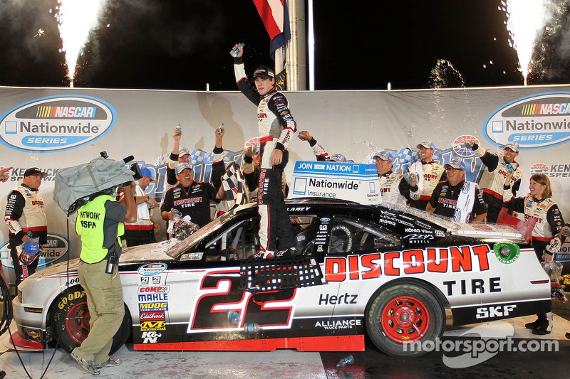 Blaney blasts his way to first NASCAR Nationwide Series victory at Kentucky Speedway