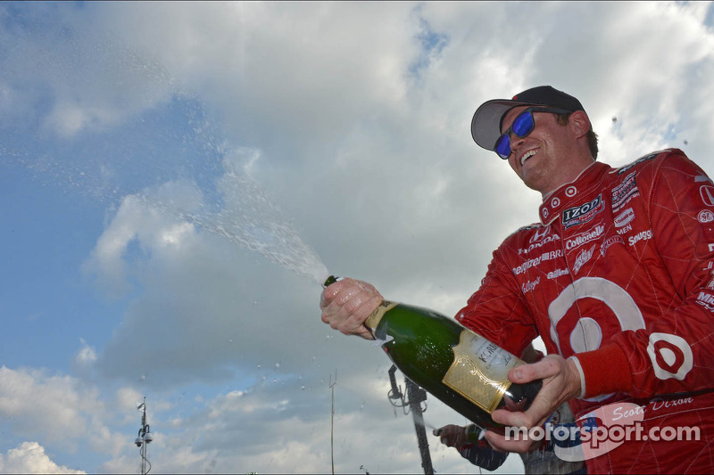 Chip Ganassi's Dixon takes championship lead after Houston doubleheader