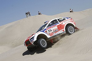 Dakar Stage report Punctures cause delay for Riwald Dakar Team