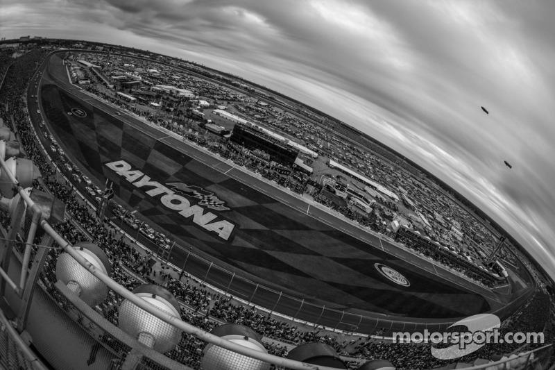 American Blade Runner Blake Leeper named honorary race official for the 56th annual Daytona 500