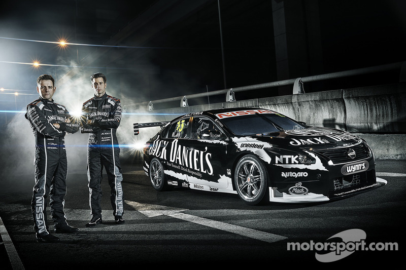 Rick Kelly leads the charge for Nissan at the Clipsal 500