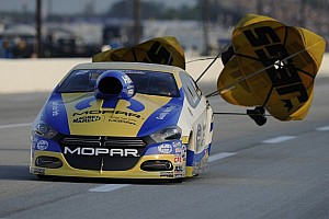 NHRA Qualifying report Crampton, Worsham and Johnson lead after first day of qualifying at NHRA Springnationals
