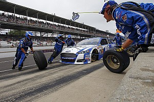 NASCAR Cup Breaking news McCray injured during pit stop at Pocono