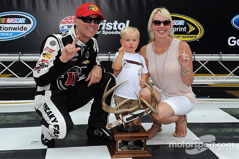 Harvick claims fifth pole this season at Bristol