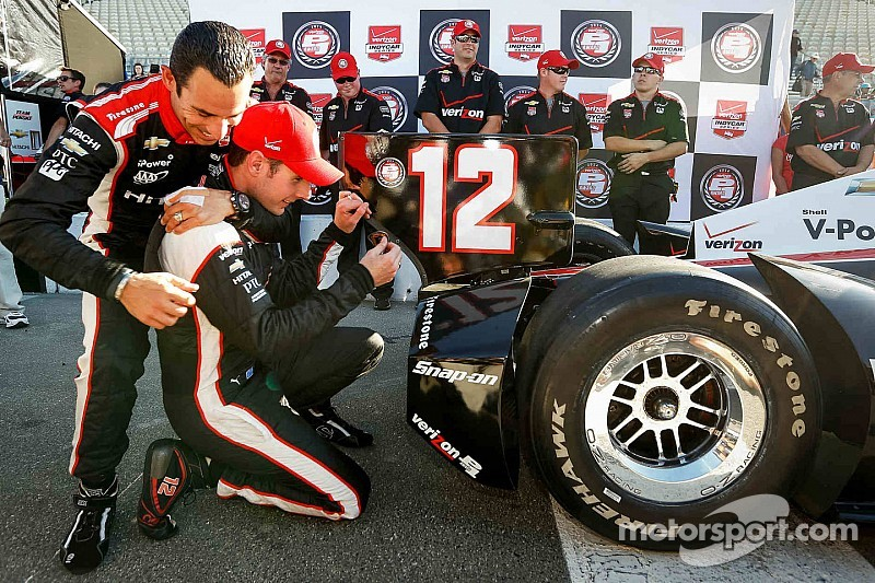 By the numbers: Power or Castroneves for IndyCar title?