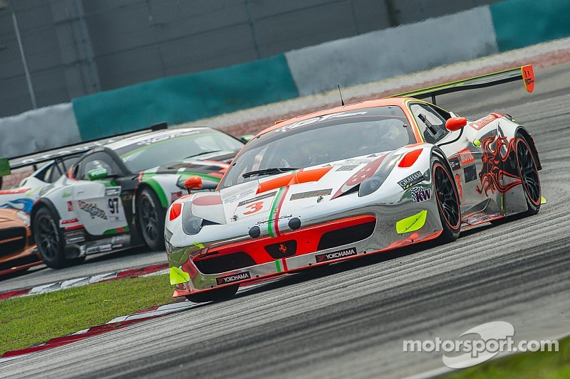 Mok and Sawa close in on title lead at Sepang