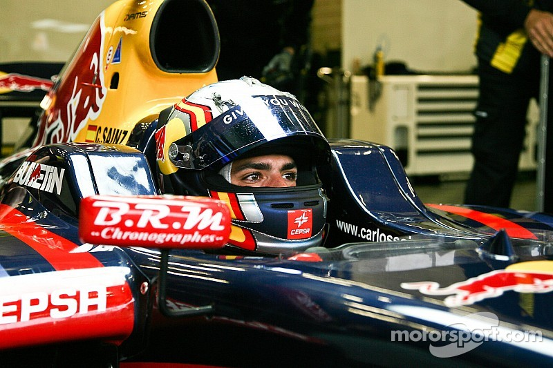 The Formula Renault 3.5 Series Champion at the wheel of the RB10 at Abu Dhabi