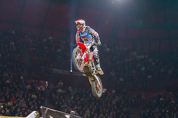 FIM Preview Monster Energy Supercross kicks off 2015 Saturday night