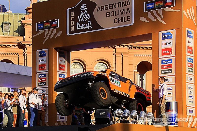 Robb's Dakar ride: Scrutineering and start podium