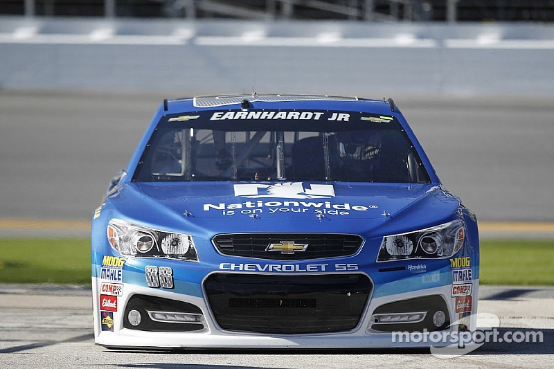Earnhardt, Gordon top Friday practice sessions ahead of Daytona 500