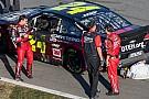 Jeff Gordon crashes as the checkered flag flies in his final Daytona 500 - video