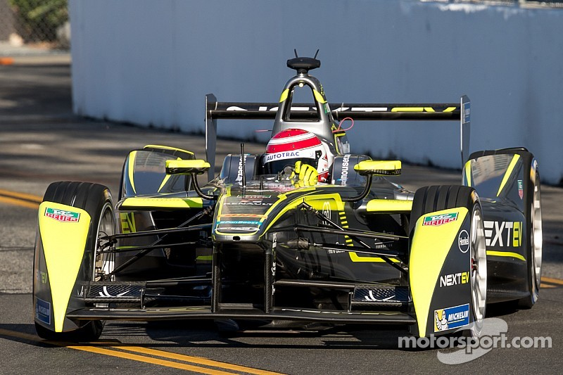 Piquet Jr fastest in first session at Long Beach