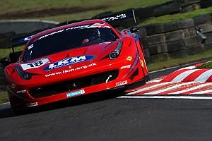 GT Reporte de la carrera Carroll gana la primera del British GT