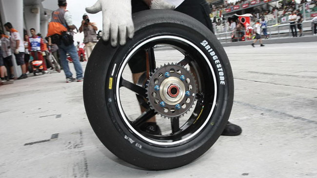 A Jerez i pneumatici asimmetrici non servono