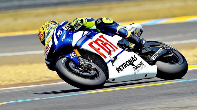 Rossi conquista la pole di un soffio a Le Mans