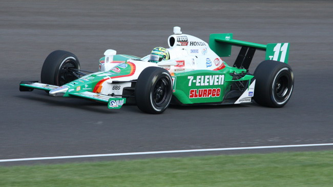 Indy 500: Kanaan e Sato dentro per un soffio, Tracy out