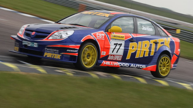 Andrew Jordan al top nei test di Rockingham