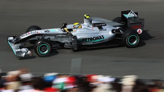 Valencia, libere 1: Rosberg poi le due McLaren