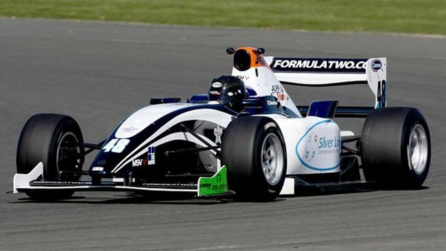 Stoneman il più veloce nelle libere di Brands Hatch
