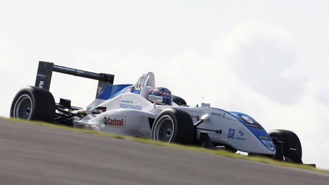 Mortara in pole position al Nurburgring