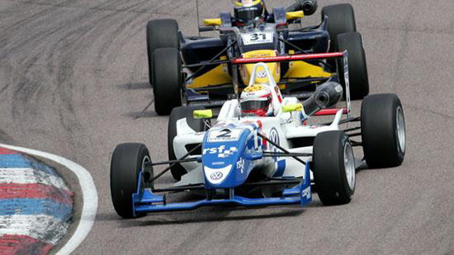 Calado batte Vergne in gara 1 a Thruxton