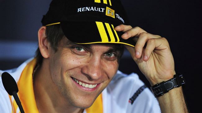 Petrov rinnova con Lotus Renault fino al 2012