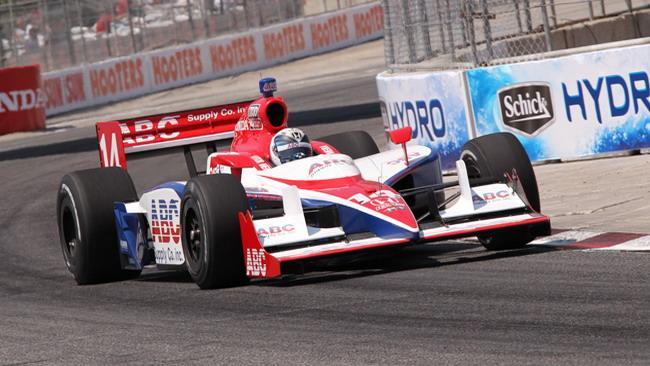La AJ Foyt Racing conferma Meira per il 2011