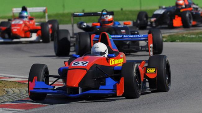 Cambia il calendario della Formula 2000 Light