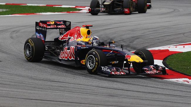 Vettel si conferma imprendibile con la Red Bull