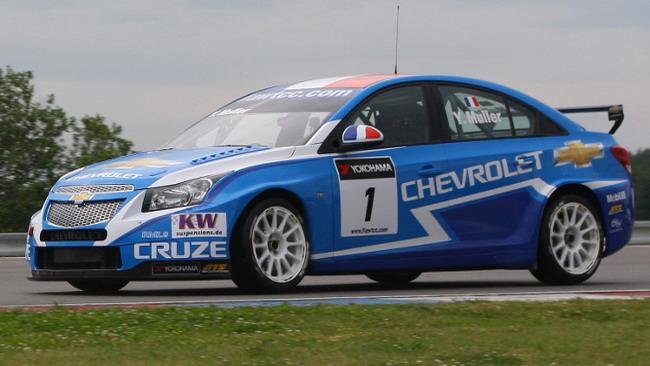 Yvan Muller conquista la pole position
