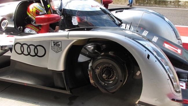 Audi rallentata da problemi ai freni ad Imola