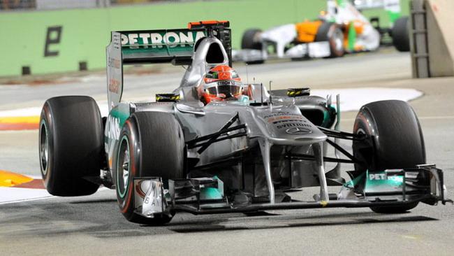 Per Schumacher un richiamo della FIA