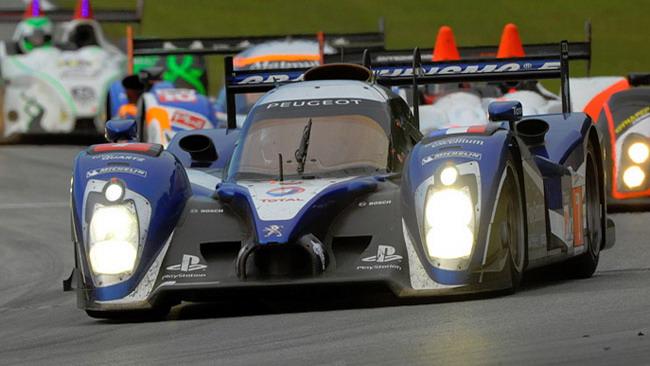 1-2 Peugeot nelle prime libere della Petit Le Mans