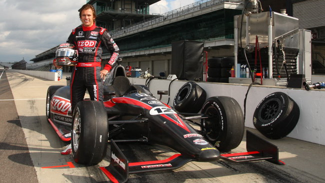La Dallara intitola a Wheldon la vettura 2012