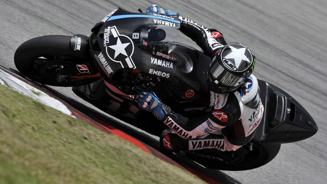 Sepang, Day 2, Ore 15: Honda ai box, poker Yamaha