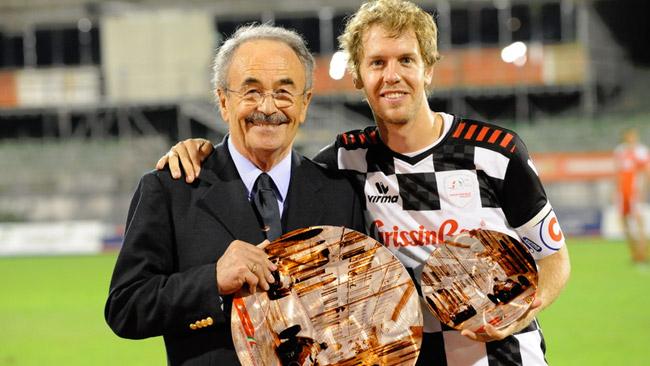 Vettel gioca con la Nazionale Piloti al Mugello