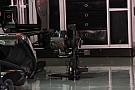 Mercedes con cambio in carbonio e pinze freni stese