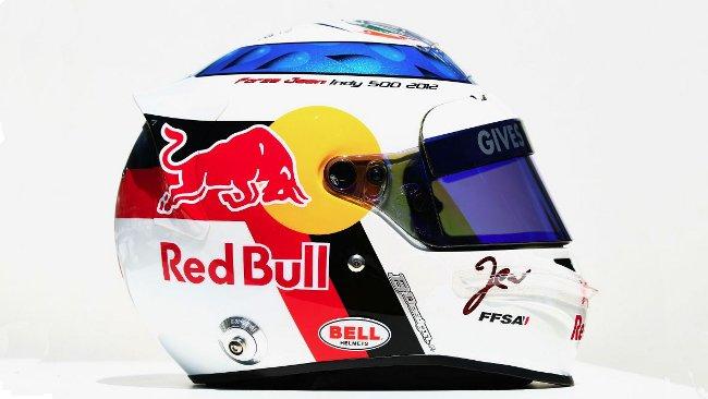 Vergne a Monaco col casco dedicato ad Alesi