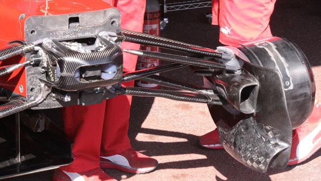 La Ferrari con nuove prese dei freni
