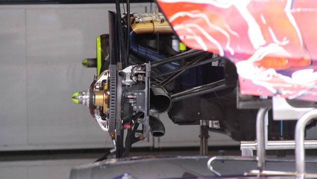 La Toro Rosso monta le pinze dei freni verticali