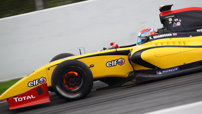Barcellona, Day 1: Magnussen al top