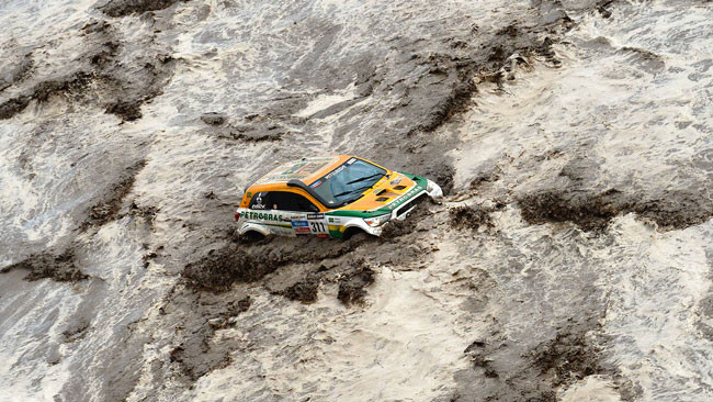 Dakar, 8° Tappa: cinque auto all'arrivo, prova annullata
